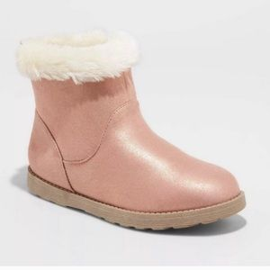 Cat & Jack Girls' Haiden Pink Shearling Boots